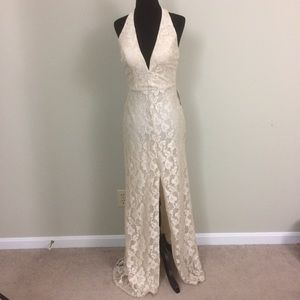 NWT! B.Darlin lace formal halter gown size 3/4